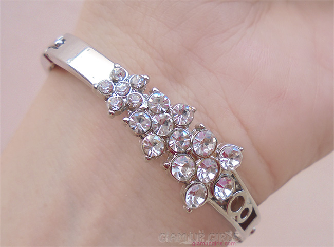 Silver Plated Flowers Carve Rhinestone Charming Bracelet