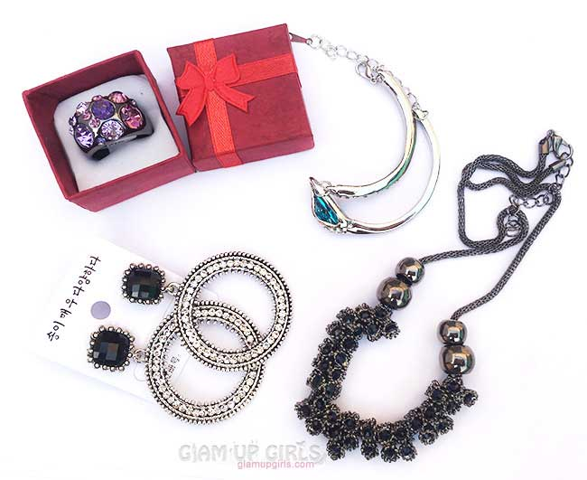 Bohemian Earings, Pendant, Acrylic Ring and Bracelet from Born Pretty Store