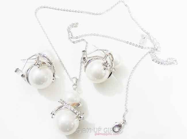 Faux Pearl and Cubic Zirconia in a Platinum plated Formal Pendent Set
