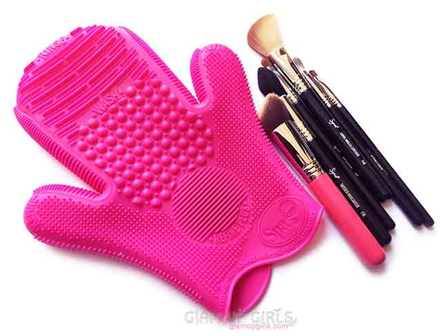 2X Sigma Spa Brush Cleaning Glove and some dirty brushes