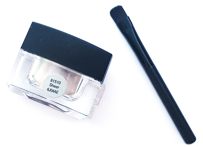 e.l.f. Studio High Definition Undereye Setting Powder in Sheer