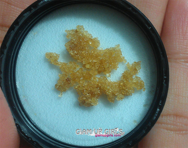 WELL-BEEING Lickable Lip Scrub - Review