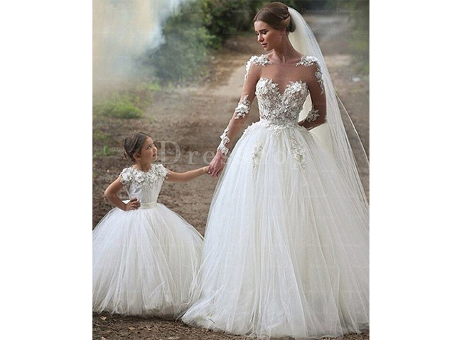 Haute Zipper Natural Ivory Court Train Wedding Dresses