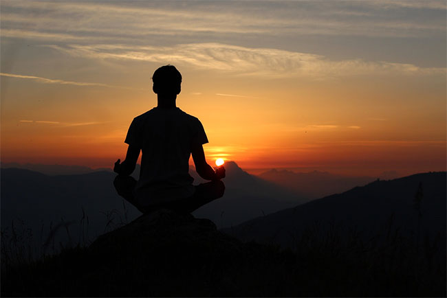 Make Your Mental Health Glow with Meditation Online At Home With Glo