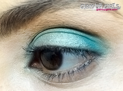 Essence Vintage District Eye Shadow in Shopping at Portobello Road - Review and Swatches